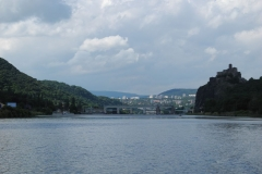 Masarykova zdymadla se siluetou hradu Střekov