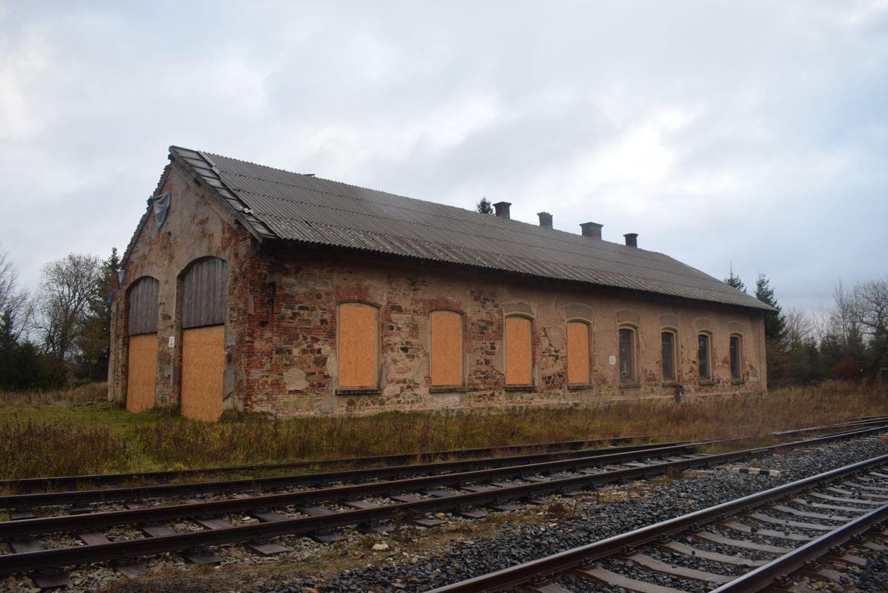 Stavebně historický průzkum lokomotivní remízy vželezniční stanici Moldava v Krušných horách